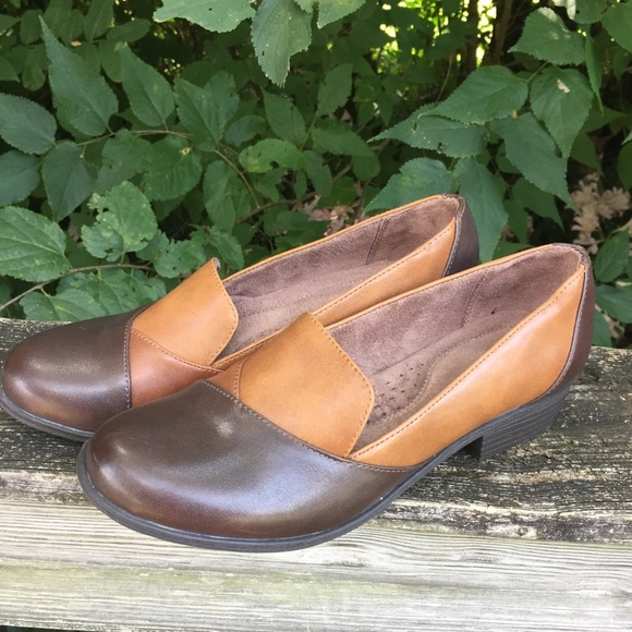 🆕 Naturalizer Vovo Heeled Loafers Brown Womens 10
